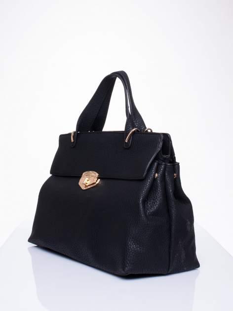 Czarna torba do ręki z klamerką                                  zdj.                                  3