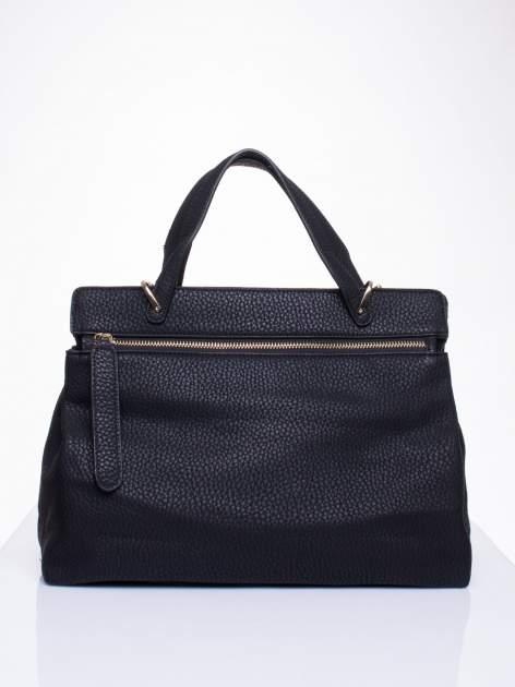 Czarna torba do ręki z klamerką                                  zdj.                                  2
