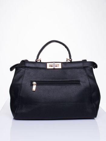 Czarna torba kuferek zapinana na zatrzask                                  zdj.                                  2