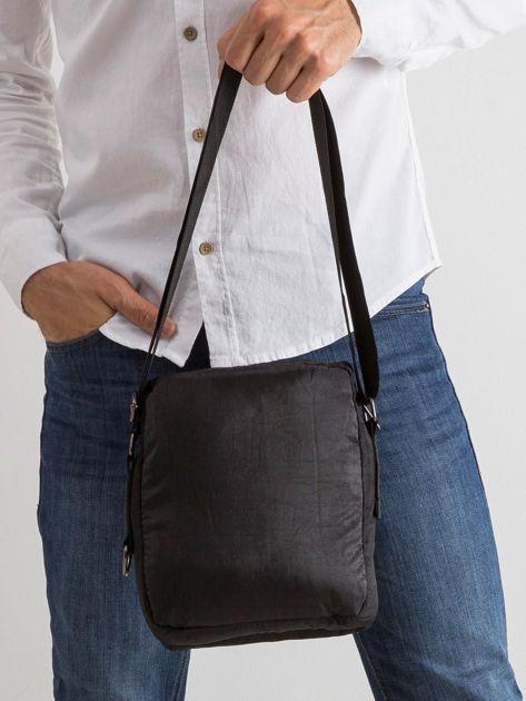 Czarna torba męska z klapką                              zdj.                              2