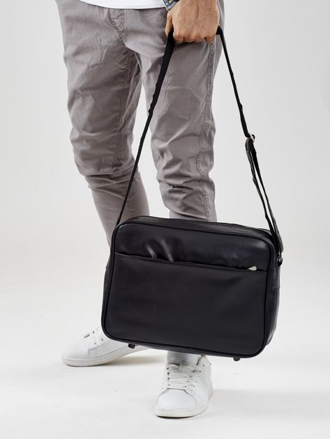 Czarna torba męska z malarskim motywem samochodu                              zdj.                              4