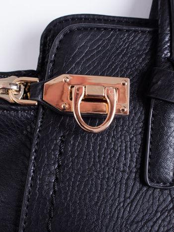 Czarna torba na ramię z dekoracyjnym suwakiem                                  zdj.                                  6