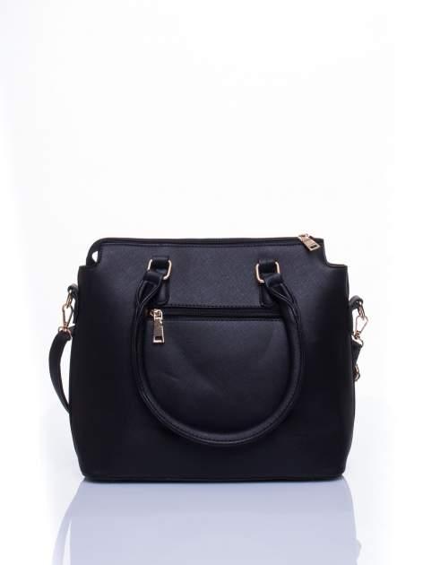 Czarna torba na ramię z ozdobnymi detalami                                   zdj.                                  4