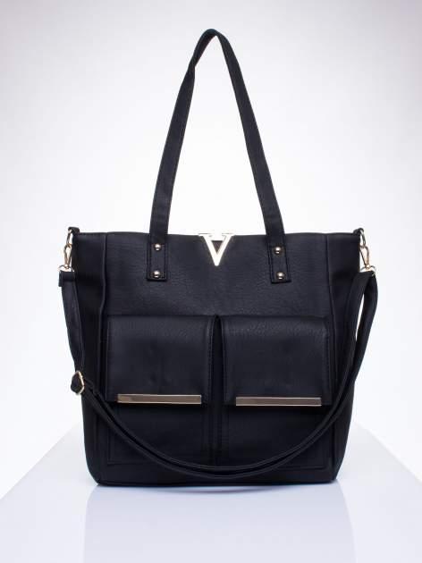 Czarna torba shopper bag ze kieszeniami na klapki