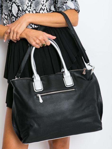 Czarna torba shopper z odpinanym paskiem                              zdj.                              2