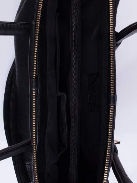 Czarna torba zapinana na złoty suwak                                  zdj.                                  4