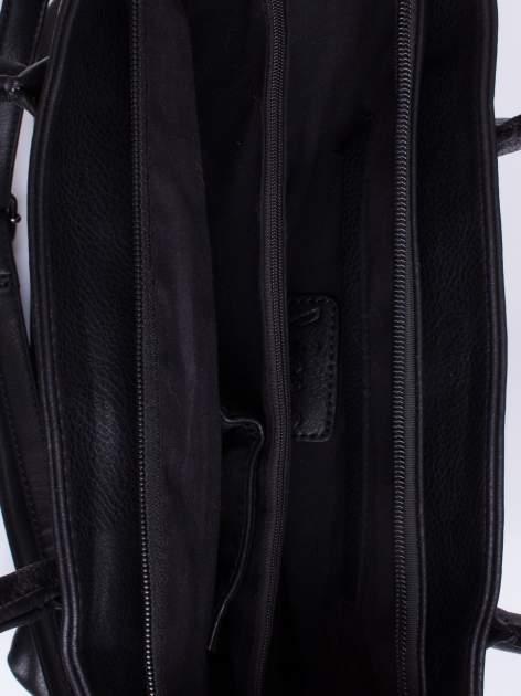 Czarna torba ze sznurowaniem po bokach                                  zdj.                                  4
