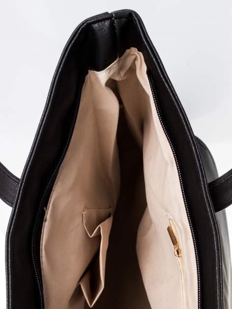 Czarna torba ze złotym detalem                                  zdj.                                  9