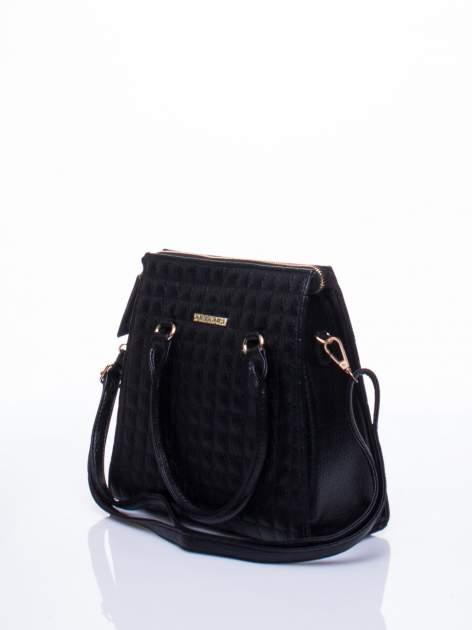 Czarna torebka kuferek z pikowaniem                                  zdj.                                  3