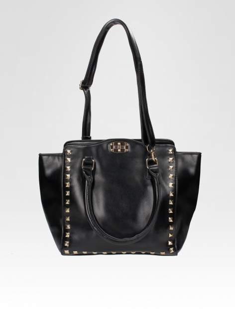 Czarna torebka na ramię z dżetami                                  zdj.                                  4