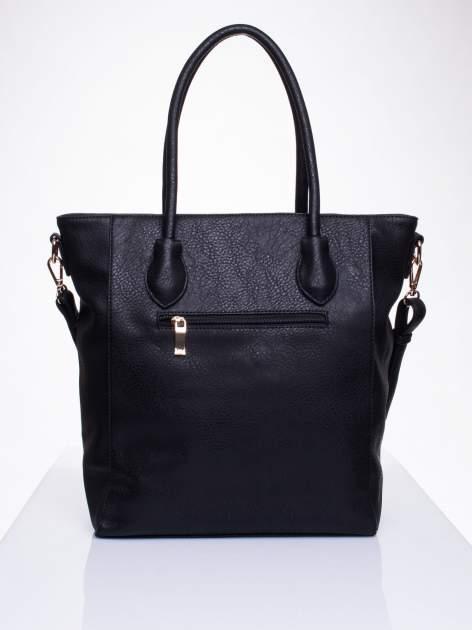 Czarna torebka z pikowaniem i dżetami                                  zdj.                                  2