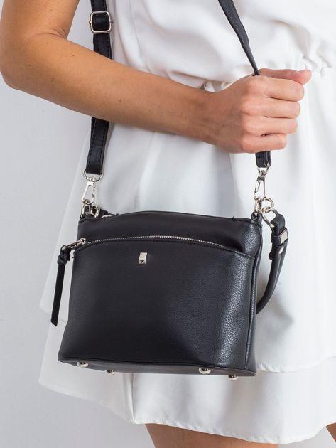 Czarna torebka z uchwytem