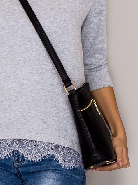 Czarna torebka ze złotymi suwakami                                  zdj.                                  2