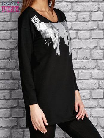Czarna tunika ze srebrnym nadrukiem                                  zdj.                                  3