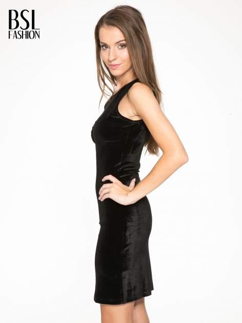 Czarna welurowa sukienka z głębokim tiulowym dekoltem                                  zdj.                                  3