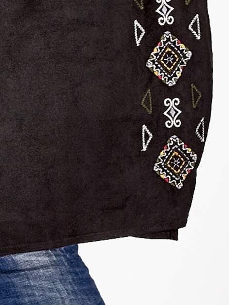 Czarna zamszowa bluzka z haftem w stylu boho                                  zdj.                                  5