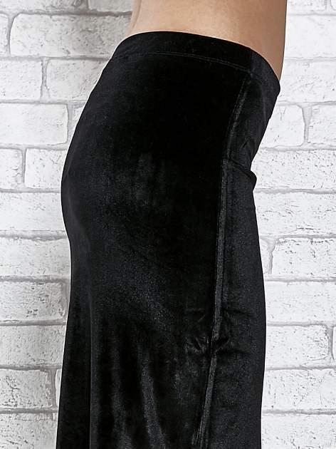 Czarna zamszowa spódnica maxi z rozporkiem                                  zdj.                                  7