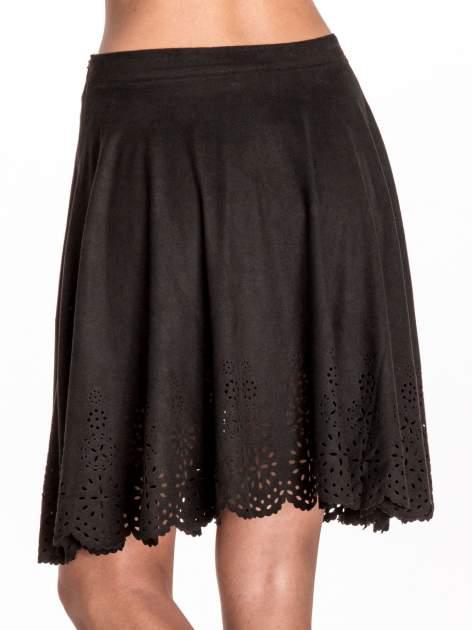Czarna zamszowa spódnica w stylu boho                                  zdj.                                  5