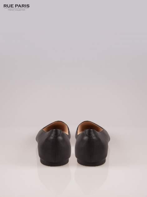 Czarne baleriny faux leather Cookie w szpic z wycięciem z boku                                  zdj.                                  3