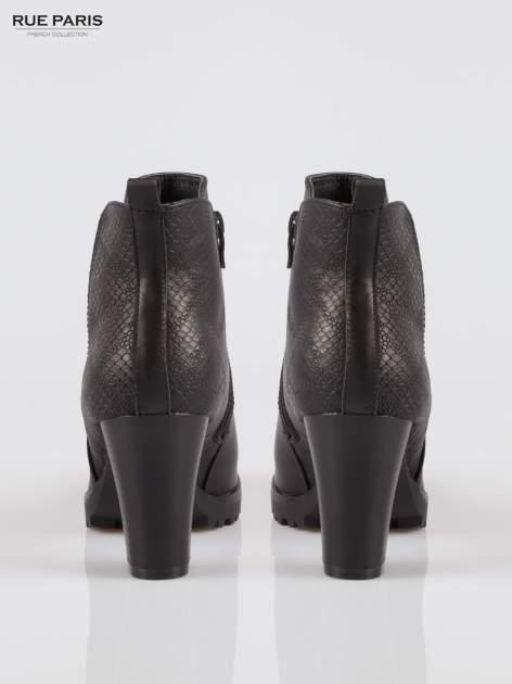 Czarne botki ankle boots na słupku z gumą po bokach cholewki                                  zdj.                                  3