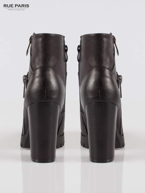 Czarne botki na słupku z zamkami w stylu biker boots                                  zdj.                                  3
