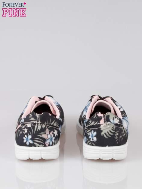 Czarne buty sportowe textile Tropicana w exotic print na podeszwie flex                                  zdj.                                  3