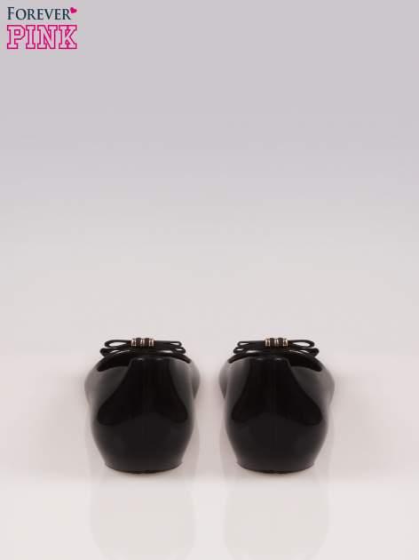 Czarne gumowe baleriny na ukrytym koturnie                                  zdj.                                  3