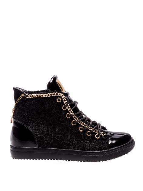 Czarne koronkowe sneakersy z łańcuszkiem
