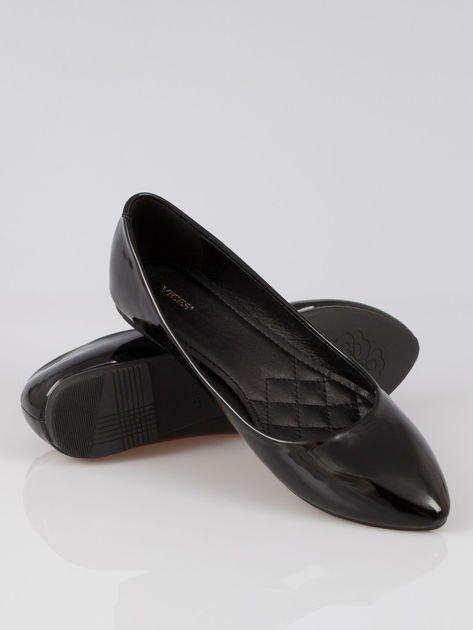 Czarne lakierowane balerinki pumps Miami                                  zdj.                                  4