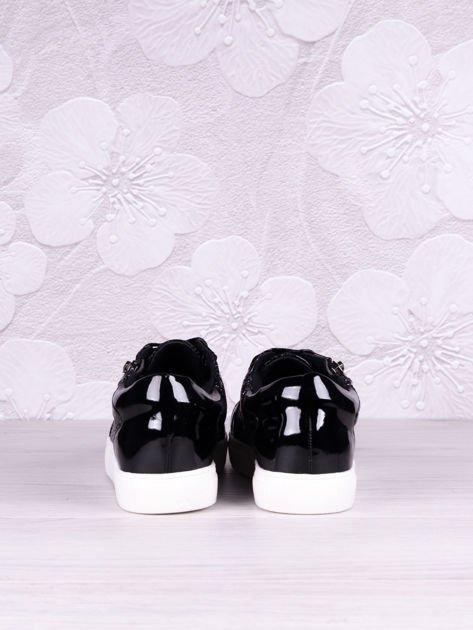 Czarne lakierowane trampki z ozdobnym suwakiem z boku i białą podeszwą Mirror                              zdj.                              4