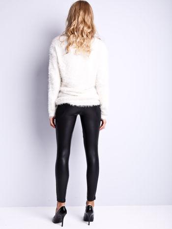 Czarne legginsy modelujące ze skórzanymi panelami                                  zdj.                                  4