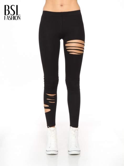 Czarne legginsy z dziurami