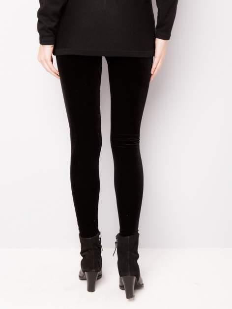 Czarne legginsy z weluru                                  zdj.                                  2