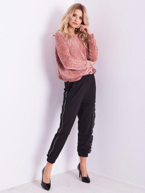 Czarne luźne spodnie z falbankami                              zdj.                              1