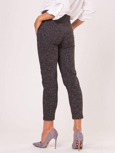 Czarne materiałowe spodnie melange                                  zdj.                                  4