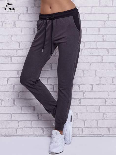 Czarne melanżowe spodnie dresowe z wiązaniem w pasie