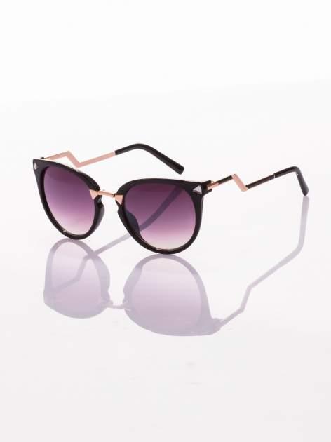 Czarne oryginalne okulary z cyrkoniami i łamanym zausznikiem sylizowane na FENDI