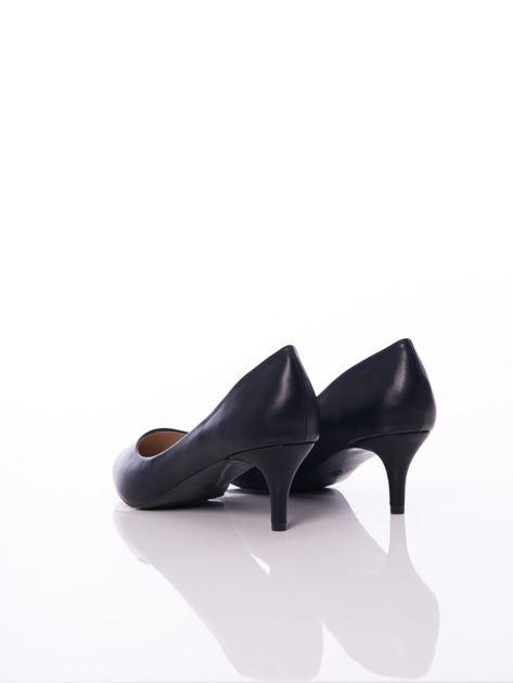 Czarne półmatowe szpilki z noskiem w szpic                              zdj.                              3