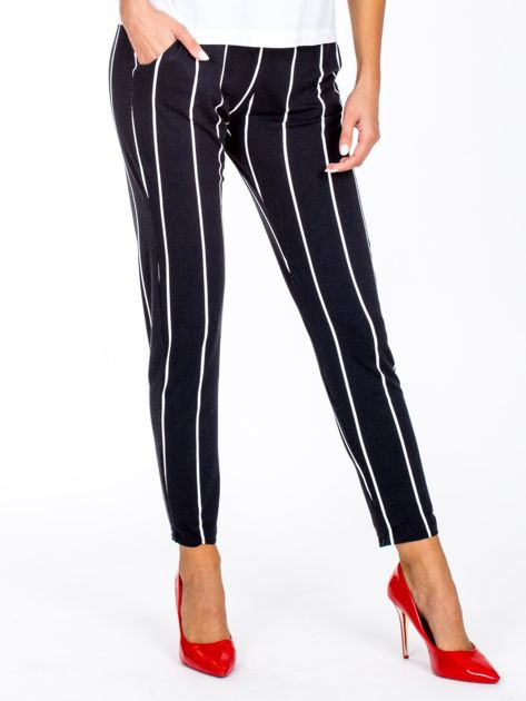 Czarne proste spodnie w paski                              zdj.                              1