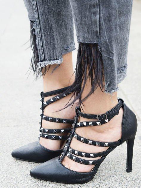 Czarne sandałki na szpilkach zapinane w kostce z ozdobnymi paseczkami i ćwiekami                              zdj.                              4