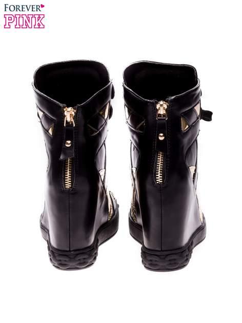 Czarne sneakersy ze złotą blaszką                                  zdj.                                  3