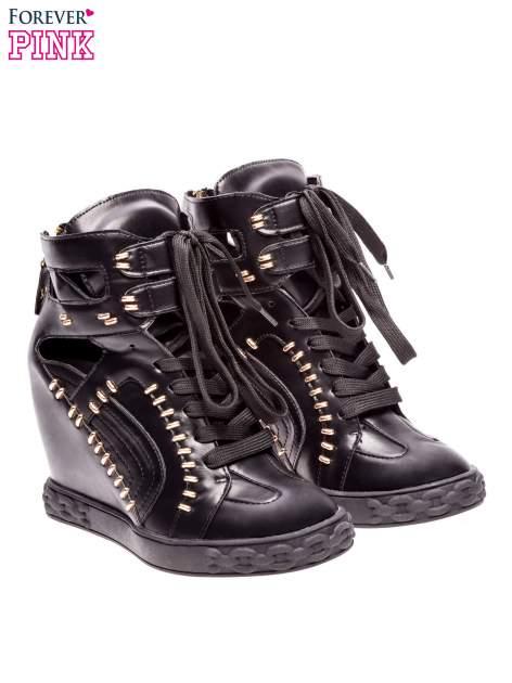 Czarne sneakersy ze złotymi elementami                                  zdj.                                  2