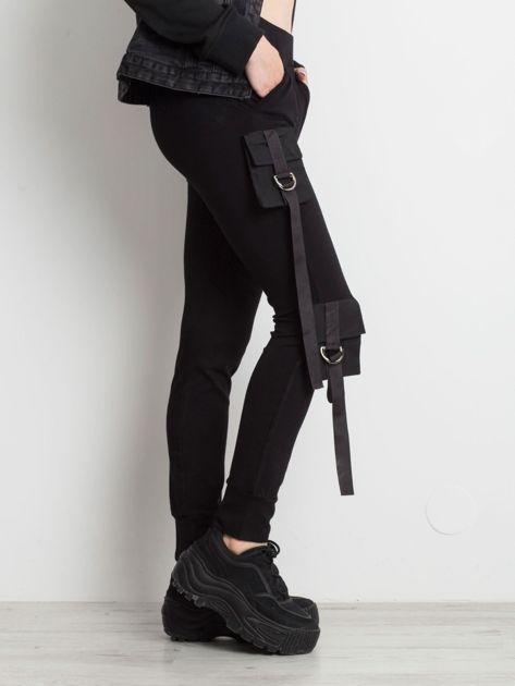 Czarne spodnie Vulnerable                              zdj.                              3
