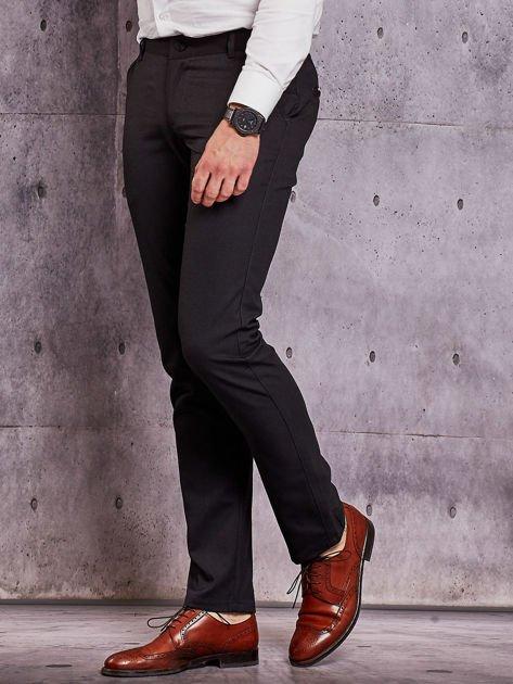 Czarne spodnie męskie w delikatny wzór                              zdj.                              3