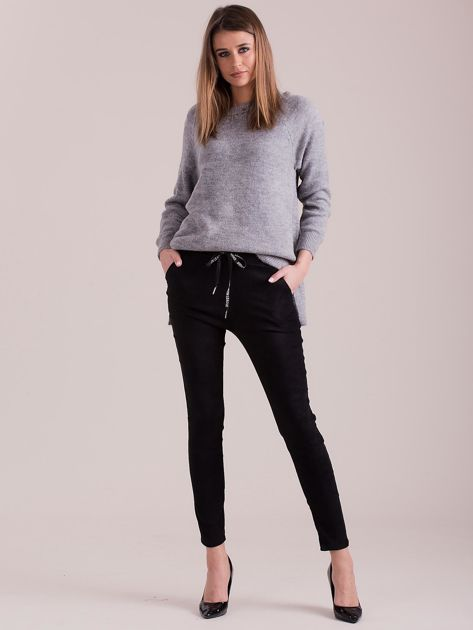 Czarne spodnie z imitacji zamszu                              zdj.                              4