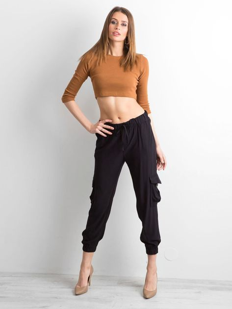 Czarne spodnie z kieszeniami i wiązaniem                              zdj.                              4