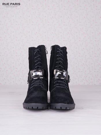 Czarne sznurowane botki z wysoką cholewką i ozdobnym błyszczącym kamieniem                                  zdj.                                  3