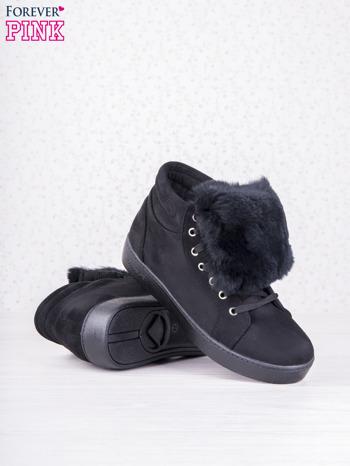 Czarne sznurowane sneakersy Keris z zamszu z perłową podeszwą                                  zdj.                                  4