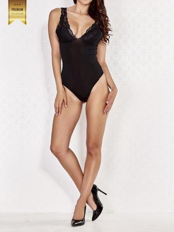 Czarne usztywniane body damskie z koronkowymi ramiączkami                                  zdj.                                  2