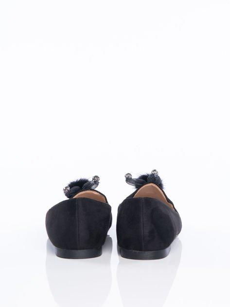 Czarne zamszowe lordsy z ozdobnym puszkiem  na przodzie cholewki                                  zdj.                                  5